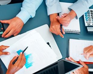servicios de asesoría y gestoría fiscal, contable y laboral